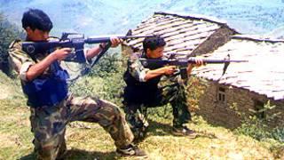 माओवादी लडाकुहरु (फाइल फोटो)