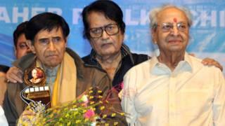देव आनंद और मनोज कुमार के साथ फिल्म अभिनेता प्राण