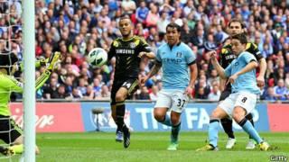 Man City lọt vào chung kết FA Cup