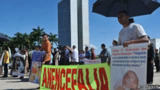 Protesto em Brasília na época em que Supremo decidiu autorizar aborto de anencéfalos (Ag. Brasil)