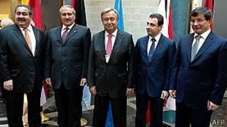 Los cancilleres de Irak, Jordania y Turquía con el ministro de Asuntos Sociales de Líbano y el Alto Comisionado de la ONU para los Refugiados