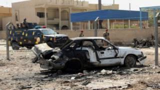 Un vehículo quemado