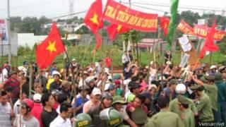 Diễn tập chống bạo loạn ở Đăk Nông (ảnh của VietnamNet)