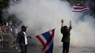 Enfrentamientos entre policía y manifestantes en Tailandia