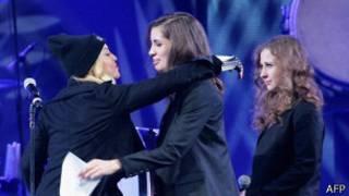 Madonna con miembros de las Puzzy Riot en Nueva York