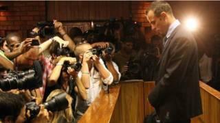 Pistorius diante da imprensa