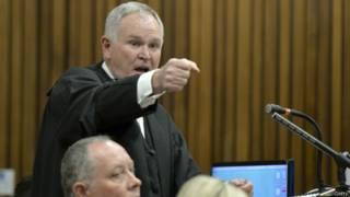Abogado defensor Barry Roux.