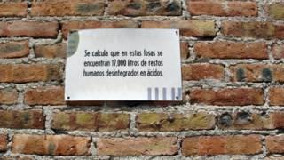 Cartel en fosa clandestina de Tijuana, México. Foto: BBC, donde Santiago Meza López disolvió en ácido a cientos de personas. Foto: BBC