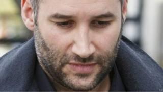 Memukul pacar, penyanyi Inggris dihukum penjara – BBC Indonesia