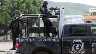 151109203638_mexico_policia_guerrero_afp