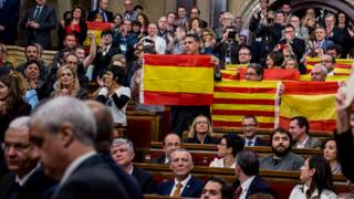 151111154937_catalan_parliament_independ
