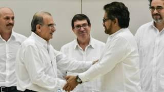 Negociadores de las FARC y del gobierno colombiano