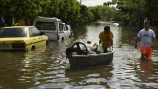 151225013703_paraguay_inundaciones_624x3