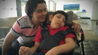 Cleciana Santos y su hijo Emanuel Eduardo