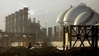 Нефтеперерабатывающее предприятие в Иране