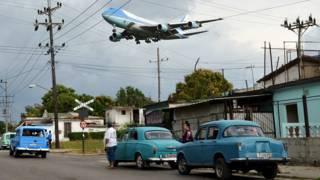 El avión oficial del gobierno de EE.UU., el mítico Air Force One, aterriza en La Habana