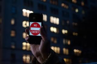 Сторонники Apple протестуют против требований ФБР