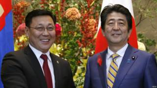 日本首相安倍晋三与蒙古总理额尔登巴特