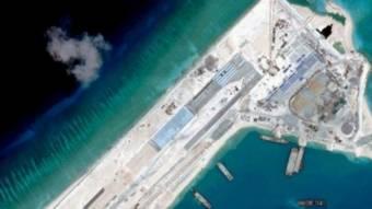http://ichef.bbci.co.uk/news/ws/340/amz/worldservice/live/assets/images/2015/06/01/150601113038_south_china_sea_512x288_afp_nocredit.jpg