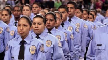 Formatura de cadetes da Polícia de Los Angeles em 2011 | Foto: Divulgação