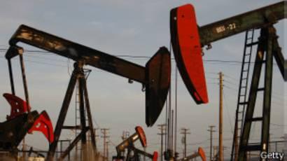 Campo petrolero en EE.UU.