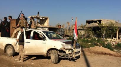Área de confronto entre milícias iraquianas e o 'Estado Islâmico' (EPA)
