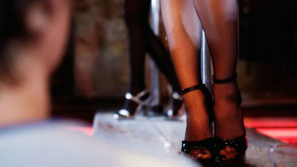http://ichef.bbci.co.uk/news/ws/590/amz/worldservice/live/assets/images/2014/09/15/140915114311_sociedad_baile_erotico_624x351_bbc.jpg