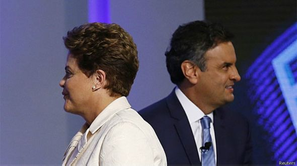 Los candidatos presidenciales brasileños Dilma Rousseff y Aécio Neves participan de un debate por TV