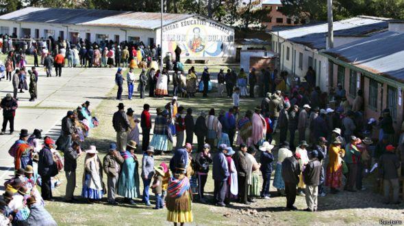 Votación en Achacachi