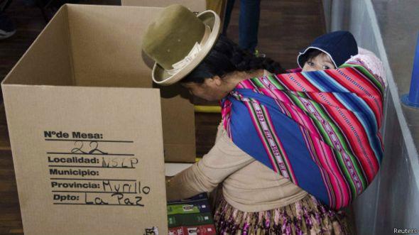 Votante boliviana