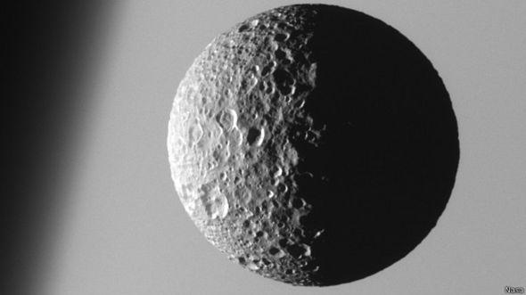 Mimas, lua de Saturno