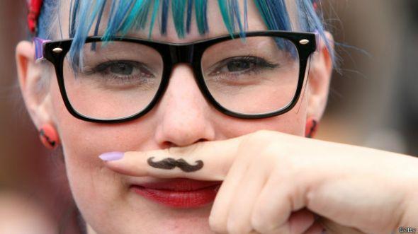 http://ichef.bbci.co.uk/news/ws/590/amz/worldservice/live/assets/images/2014/10/27/141027132740_girl_hipster_boy_624x351_getty.jpg