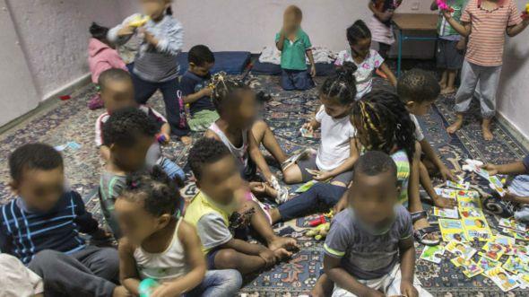 Creche clandestina em Tel Aviv | Foto: Getty