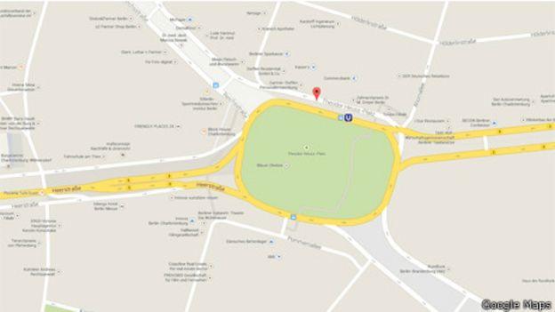 Plaza Adolf Hitler, Google