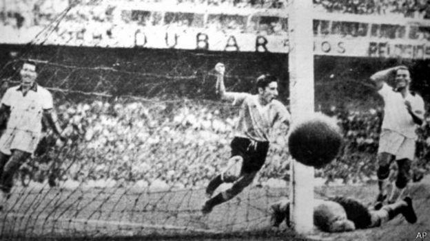 Selección Uruguaya de Fútbol - Página 2 140614133921_gol_ghiggia_464x261_ap