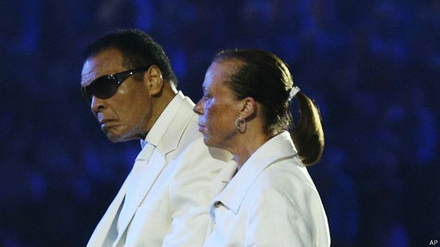 http://ichef.bbci.co.uk/news/ws/624/amz/worldservice/live/assets/images/2014/11/25/141125162148_muhammad_ali_wife_iolanda_london_olympics_opening_624x351_ap.jpg