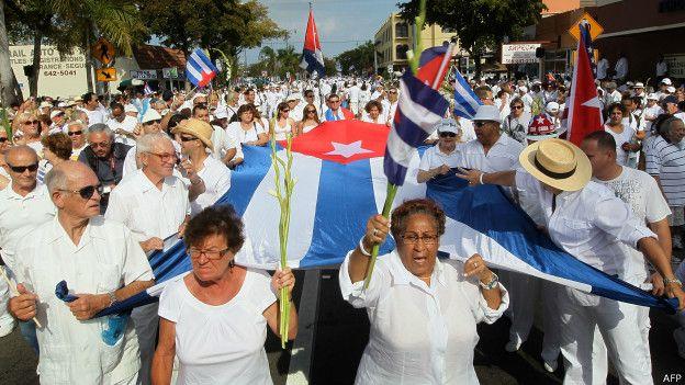 Marcha damas de blanco
