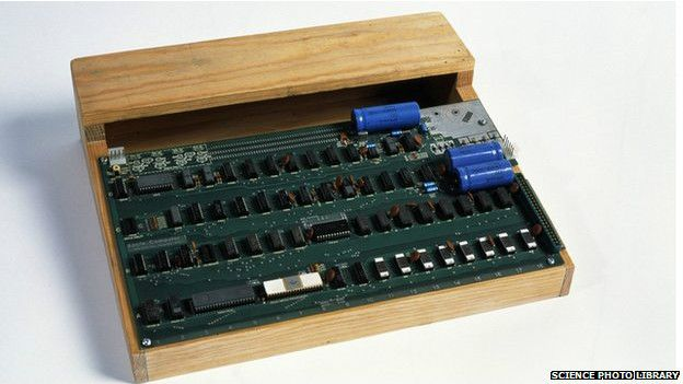 Un ejemplar de la  computadora Apple 1, fabricada en 1976, se vendió recientemente por $ 671.000