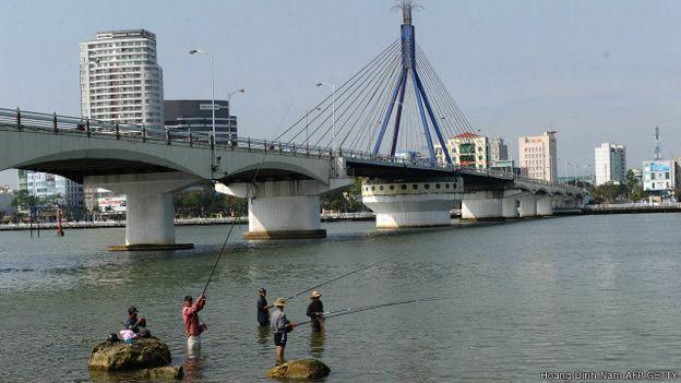 Câu cá trên sông Hàn, Đà Nẵng