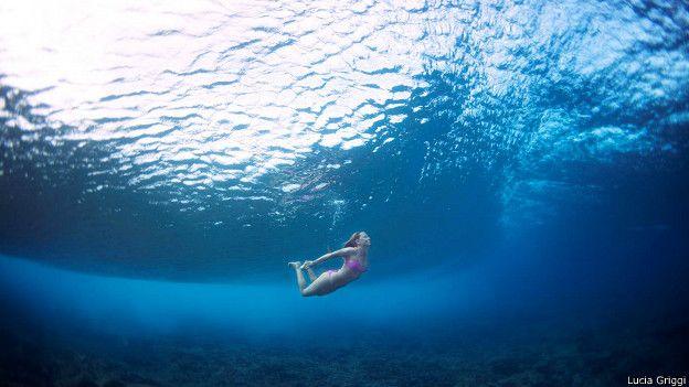 Las espectaculares imágenes del surf captadas debajo del agua ...