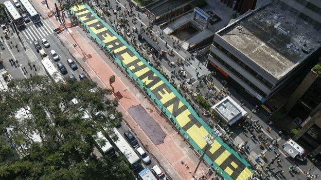 Protesto na Avenida Paulista em abril de 2015 | Foto: AFP