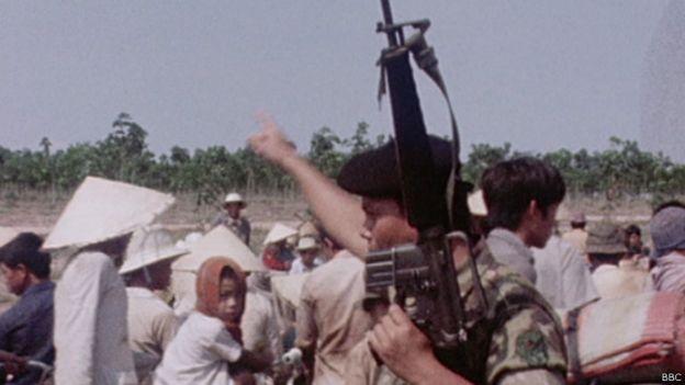 150413155630_vietnamese_refugee_xuan_loc_1975_640x360_bbc.jpg