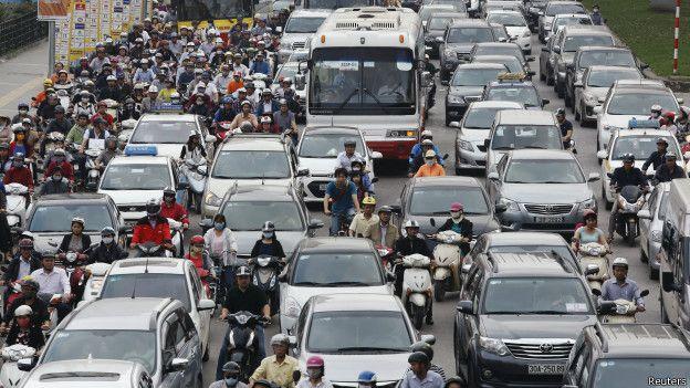 Tráfico en Hanoi, Vietnam