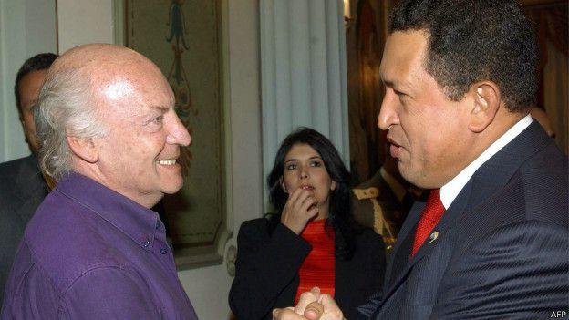Eduardo Galeano y Hugo Chávez