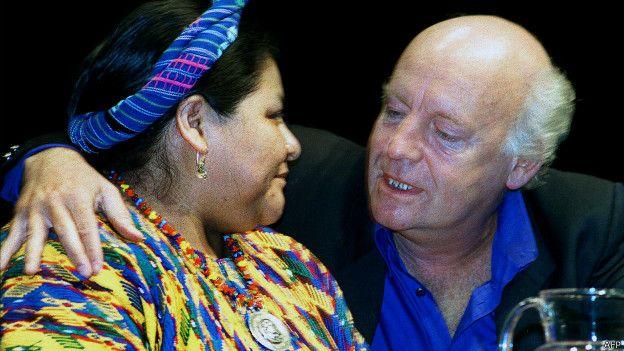 Rigoberta Menchú y Eduardo Galeano