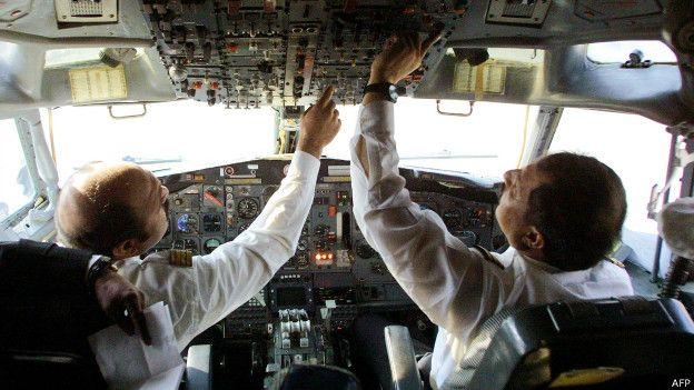 Cabina de pilotos de un avión