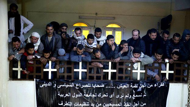 Египетские христиане оплакивают гибель единоверцев