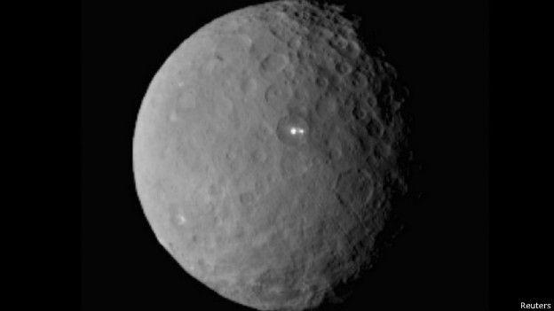 La secuencia de imágenes nueva fue tomada hace una semana cuando la sonda estaba todavía a unos 22.000 kilómetros de la superficie.