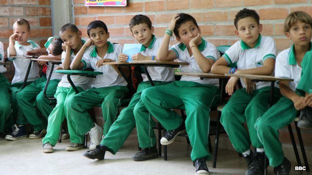 Niños en escuela