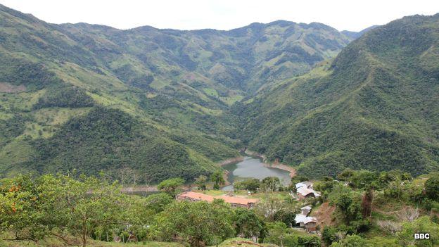 Lago de la represa Porce III
